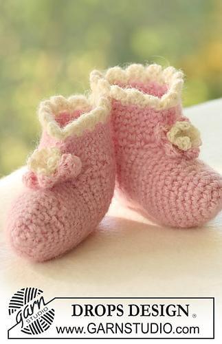 Sugar Plum Crochet Booties