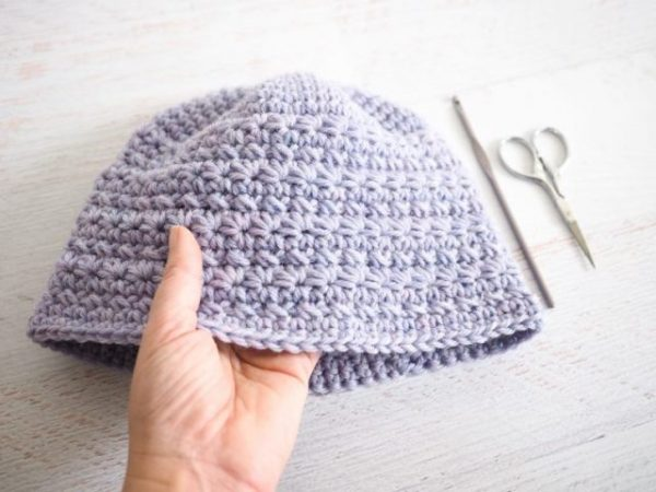 Kid's Star Stitch Hat Crochet Pattern - If you're in a rush, these free crochet baby hat patterns are perfect for showing how much you really care, without taking a month to complete. #crochetbabyhatpattern #crochethat #crochetpattern #crochetbabybeanie #crochetaddict