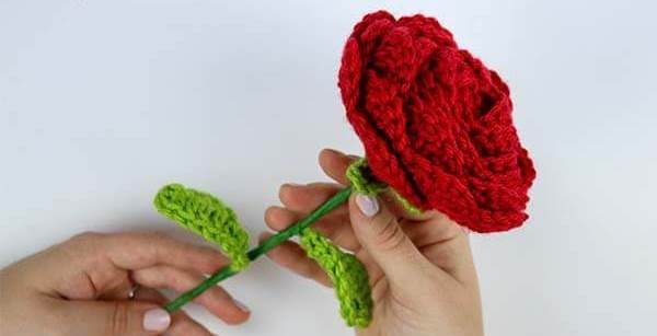 Crochet Rose with Wired Stem and Leaves