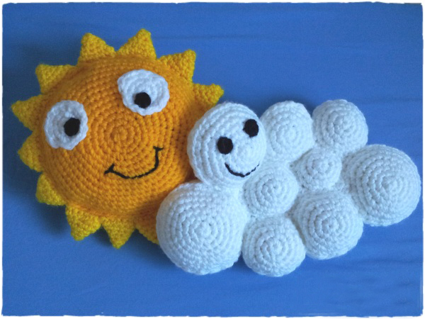 Quick Crochet Bed Pillows for Kids - These crochet pillows are fun and an adventure to make. If you're looking for creative kids pillows, this list will be your go to. #CrochetPillowPatterns #CrochetPatterns #CrochetAddict