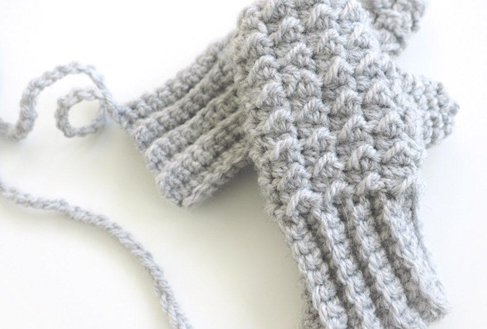 Baby Moss Stitch Mittens Crochet Pattern