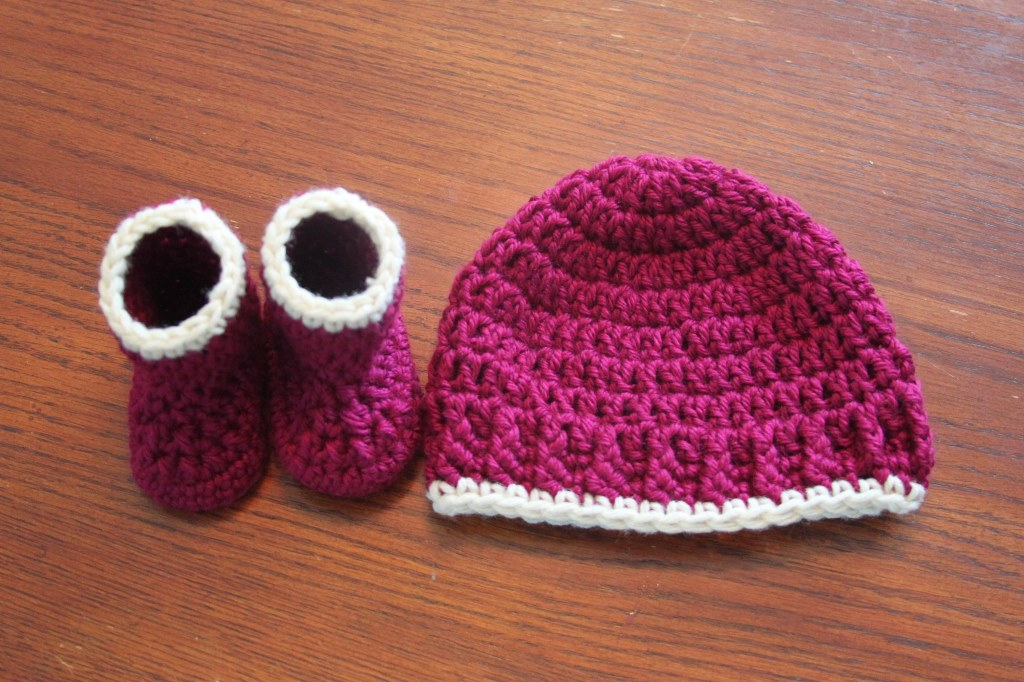 Simple Baby Hat - These free newborn crochet hat patterns are fun and easy to work on. These baby accessories are so fast to make and anyone can do it. #CrochetBabyHatPatterns #CrochetHatPatterns #CrochetNewbornHats
