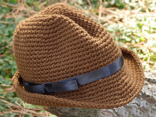 Snappy Fedora - These free crochet hat patterns are perfect for sparking smiles and joy into a little child's life. Any excuse for fun is a good one in my book. #KidsCrochetHatPatterns #FedoraCrochetHat #CrochetHatPatterns #CrochetFedoraHat