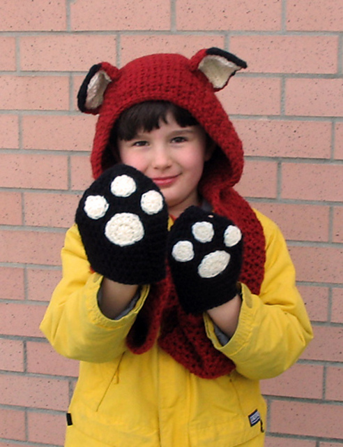 Fox Scoodie with Pockets  - These hooded free crochet scarf patterns are excellent alternatives to full-blown costumes when your kid is not into that kind of thing. #freecrochetscarfpatterns #crochetscarf
