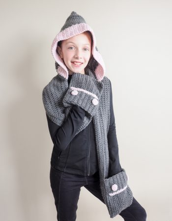 Hooded Scarf Crochet - These hooded free crochet scarf patterns are excellent alternatives to full-blown costumes when your kid is not into that kind of thing. #freecrochetscarfpatterns #crochetscarf