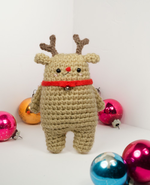 Christmas Reindeer - Fill this holiday season with crochet toy projects that will fill your home with more joy than ever before. #crochettoys #christmastoys #crochetamigurumi