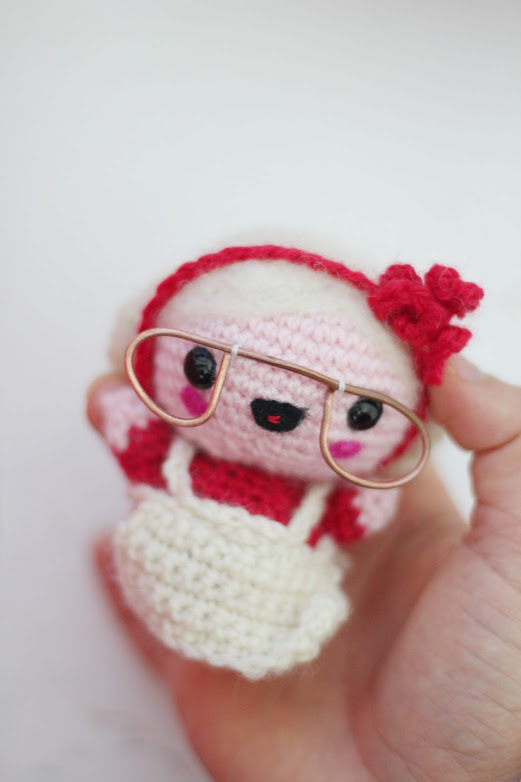 Crochet Mrs. Claus - Fill this holiday season with crochet toy projects that will fill your home with more joy than ever before. #crochettoys #christmastoys #crochetamigurumi