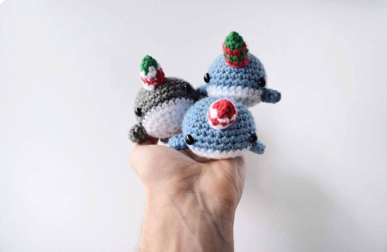 Holiday Narwhals - Fill this holiday season with crochet toy projects that will fill your home with more joy than ever before. #crochettoys #christmastoys #crochetamigurumi