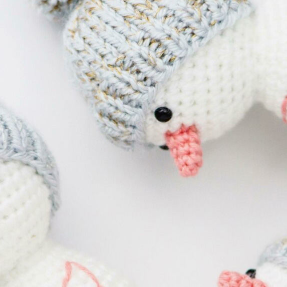 Snowman Friends - Fill this holiday season with crochet toy projects that will fill your home with more joy than ever before. #crochettoys #christmastoys #crochetamigurumi