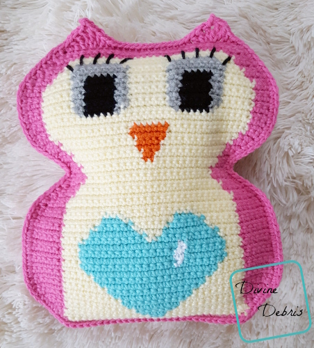 Heart Belly Owl - One way you can show your love for kids this Valentine's is by crocheting these simple crochet patterns. #simplecrochetpatterns #crochetpatterns #kidscrochetpatterns
