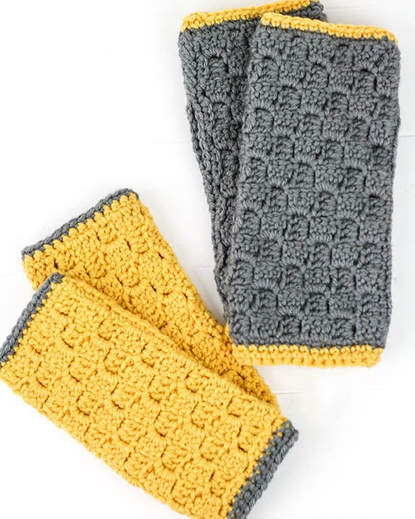 C2C Fingerless Gloves - If you're looking to learn a new crochet skill, check out these 12 corner to corner crochet patterns. #cornertocornercrochetpatterns #C2Ccrochetpatterns #crochetpatterns